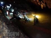 Avanza el rescate de 12 niños atrapados en una cueva en Tailandia