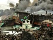 Indonesia: Decenas de buques calcinados en incendio en Bali