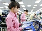 Celulares y componentes lideran exportaciones de Vietnam en primer semestre del año
