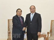 Premier de Vietnam aboga por fortalecimiento de nexos parlamentarios con Laos