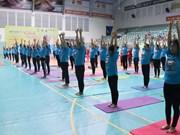 Día Internacional de Yoga en ciudad vietnamita de Can Tho atrae a 700 personas