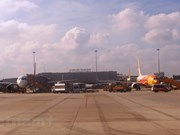 Gobierno de Vietnam pide acelerar proyectos de aeropuertos internacionales en el sur del país