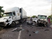 Al menos 13 personas murieron en accidente vial en provincia de Vietnam