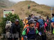 Indonesia: Evacuan a más de mil personas atrapadas por terremoto