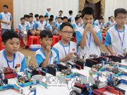 Cerca de 150 estudiantes vietnamitas participan en competencia robótica