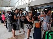 Miles de viajeros evacuados tras terremoto intenso en Indonesia