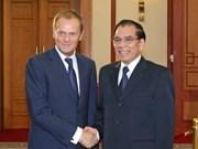 Secretario del PCV recibe a premier polaco