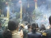 Visitan pagoda en primeros días del Año Nuevo