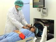 Viet Nam y Japón cooperan en tratamiento de cáncer