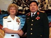 En Viet Nam vicealmirante norteamericana