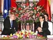 Canciller de Australia visita Viet Nam