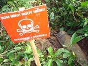 Australia ayuda a víctimas vietnamitas de minas
