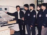 Ayuda Siemens formar a ingenieros vietnamitas
