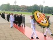 Homenajean dirigentes vietnamitas a Ho Chi Minh