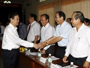 Premier vietnamita recorre provincia central