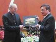Visita representante del vaticano Thua Thien-Hue