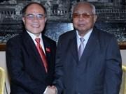 Presidente del Parlamento vietnamita en Cambodia