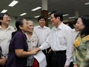 Presidente se reúne con votantes de Ciudad Ho Chi Minh