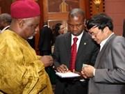 Empresas vietnamitas y nigerianas fomentan cooperación