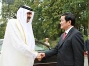 Dirigentes vietnamitas reciben al Emir de Qatar