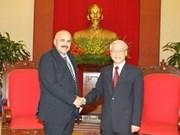 Visita Vietnam delegación de CDR de Cuba