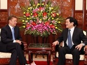 Presidente vietnamita recibe a director general de Gazprom