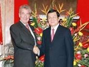 Dirigentes vietnamitas reciben al presidente austriaco