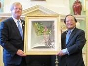 Invitan inversiones británicas en turismo vietnamita