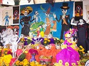 Colocan en Hanoi altar mexicano de muertos