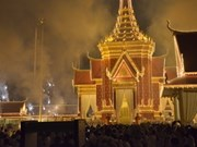 Premier vietnamita en acto de cremación de Sihanouk