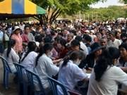 Médicos vietnamitas ofrecen tratamientos gratuitos para pobres cambodianos