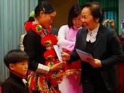 Vicepresidenta urge apoyo de prensa en lucha contra pobreza