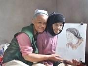 Pintora rinde homenaje a las Madres Heroicas