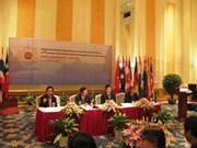Ministros de ASEAN debaten brecha en educación