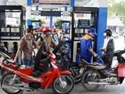 Precio de gasolina baja 500 dong por litro