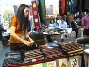 Productos artesanales llenan 800 pabellones de feria