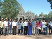 Periodistas vietnamitas exploran Cambodia
