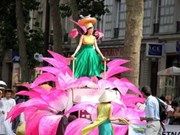 Vietnam participa en Carnaval de París