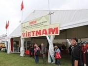 Participa Vietnam en fiesta de humanidad en Francia
