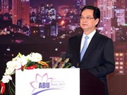 Vietnam prioriza desarrollo de radiodifusión, afirma premier