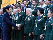 Presidente elogia tradición gloriosa del Ejército vietnamita