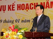 Premier vietnamita exhorta a fomentar infraestructura de transporte