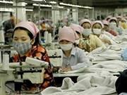 Fábricas de Cambodia reanudan labores