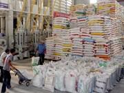 Vietnam busca aumentar exportación de arroz en 2014