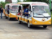 Operarán automóviles eléctricos en aeropuerto de Noi Bai