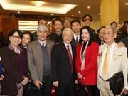 Líder partidista felicita a intelectuales en ocasión del Tet
