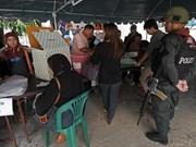 Tailandia comienza elecciones en disturbios