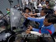 Policía tailandesa detiene a manifestantes
