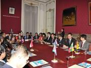 ASEAN y UE debaten medidas para potenciar la conectividad