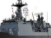 Ancla en puerto vietnamita buque de la Marina sudcoreana